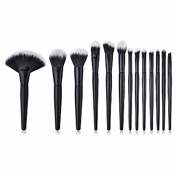 revolt-makeup-brush-kit-black-edition