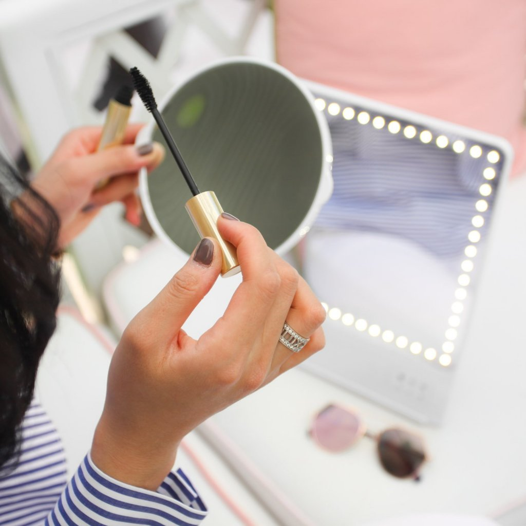 Glamcor Smart Makeup Mirror With Hd Led Light And Selfie